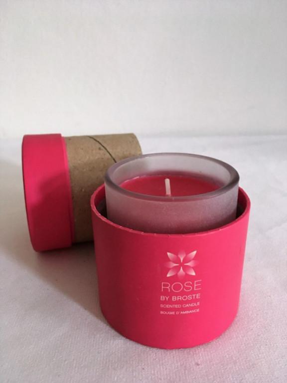 Voňavá svíčka v krabičce