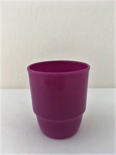 Kelímek fialový