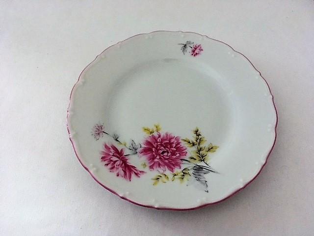Dezertní talíř s kytkama