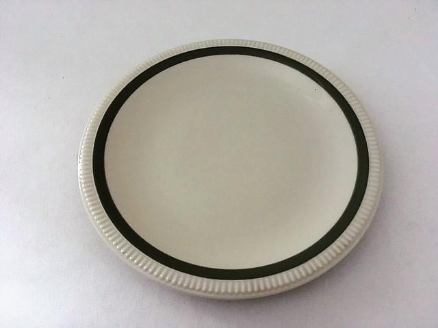 Dezertní talíř se zeleným proužkem