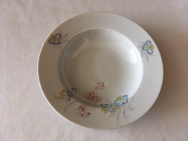 Hluboký talíř s kytičkama